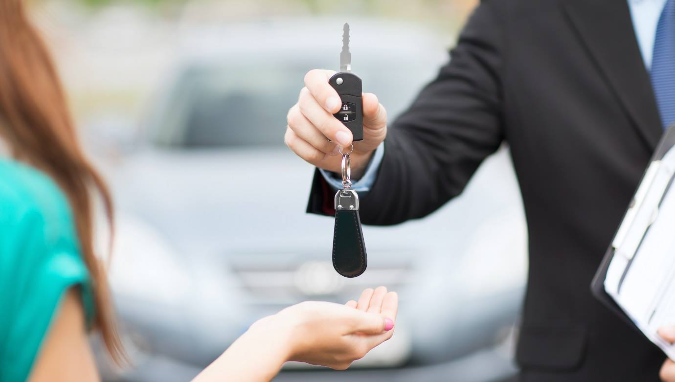 Kupujesz lub sprzedajesz pojazd?